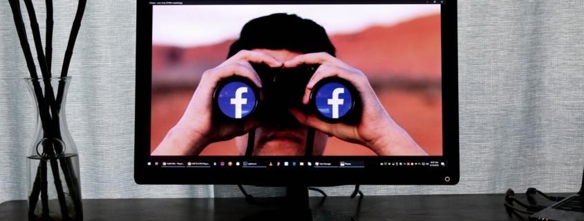 Facebook durch ein Fernglas genau im Blick behalten